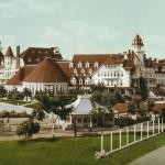 800px-Hotel-Del-Coronado-Beach-cropped