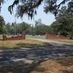 800px-Newnansville_Cemetery_entrance01